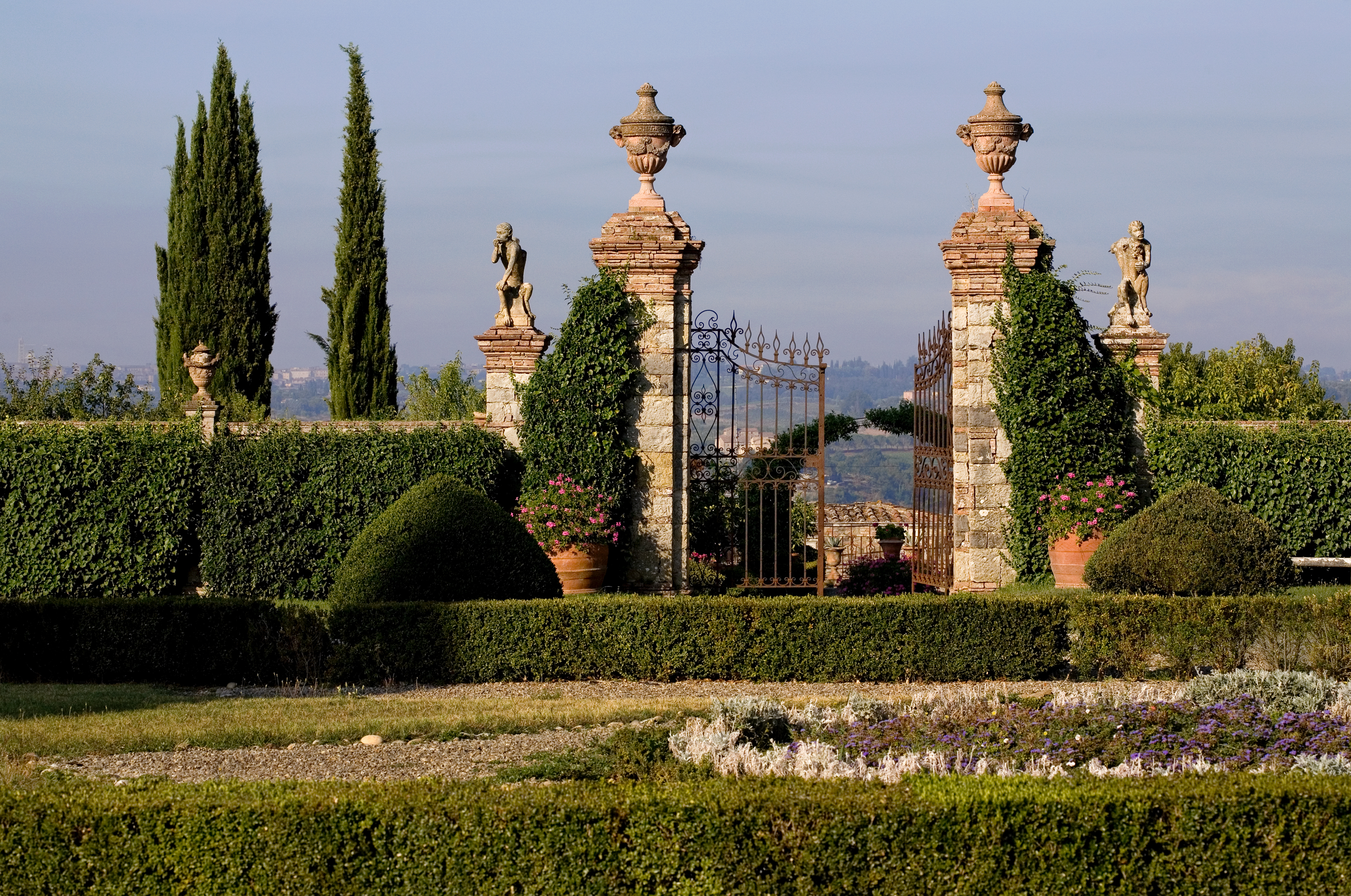 GARDENS IN ITALY